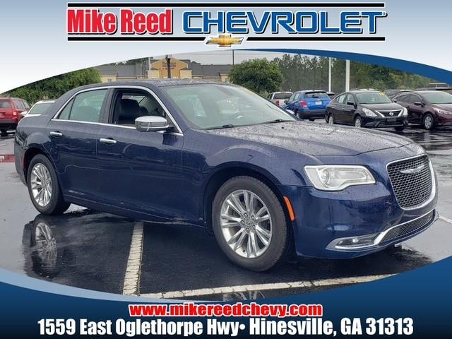 2017 Chrysler 300 300C 4dr Car Slide 0