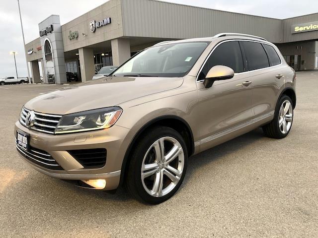 2016 Volkswagen Touareg Executive