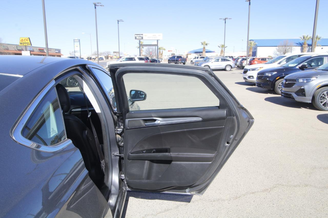 Pre-Owned 2013 Ford Fusion Titanium