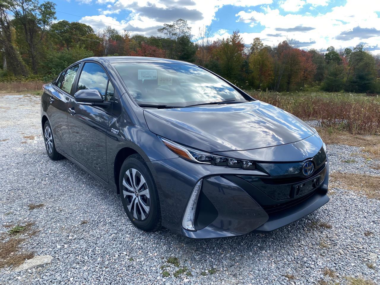 New 2021 Toyota Prius Prime LE Front Wheel Drive 5