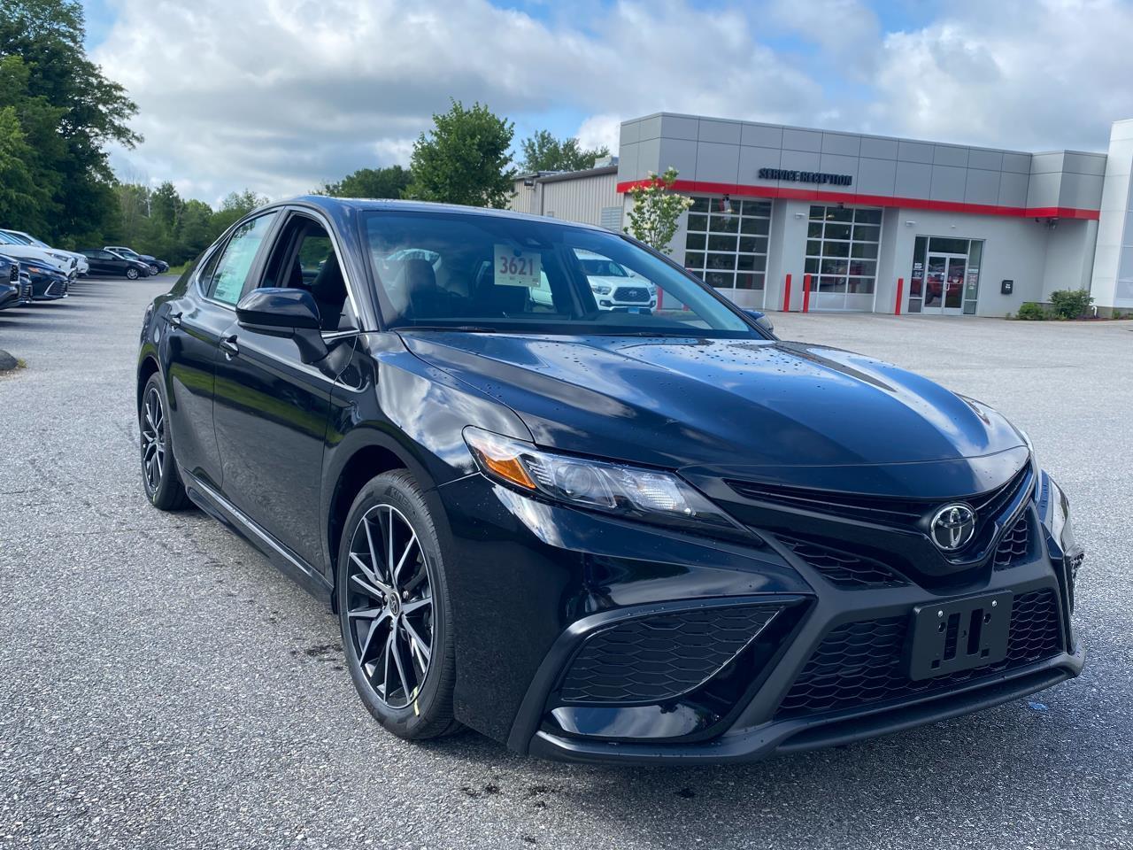 New 2021 Toyota Camry SE